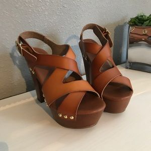 Mossimo Tan Leather Chunky Heels